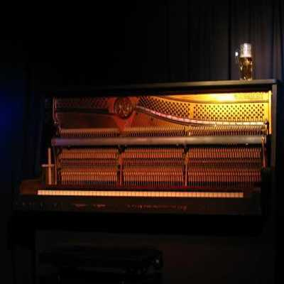 Upright Piano MULTiFORMAT | Images From Magesy® R Evolution™